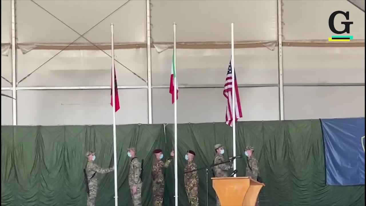 Afghanistan, l'Italia ammaina la bandiera dopo vent'anni