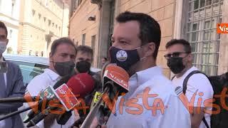 """Vaccino con dosi diverse, Salvini: """"Non è come mix per i cocktail. Da cittadino voglio chiarezza"""""""