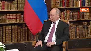 L'incontro di Biden e Putin a Ginevra, divisi da un vecchio mappamondo