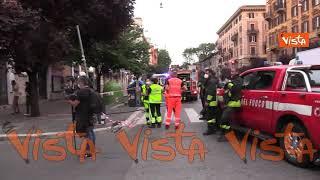 Bomba su un'auto a Roma, le immagini dei rilievi della Polizia Scientifica