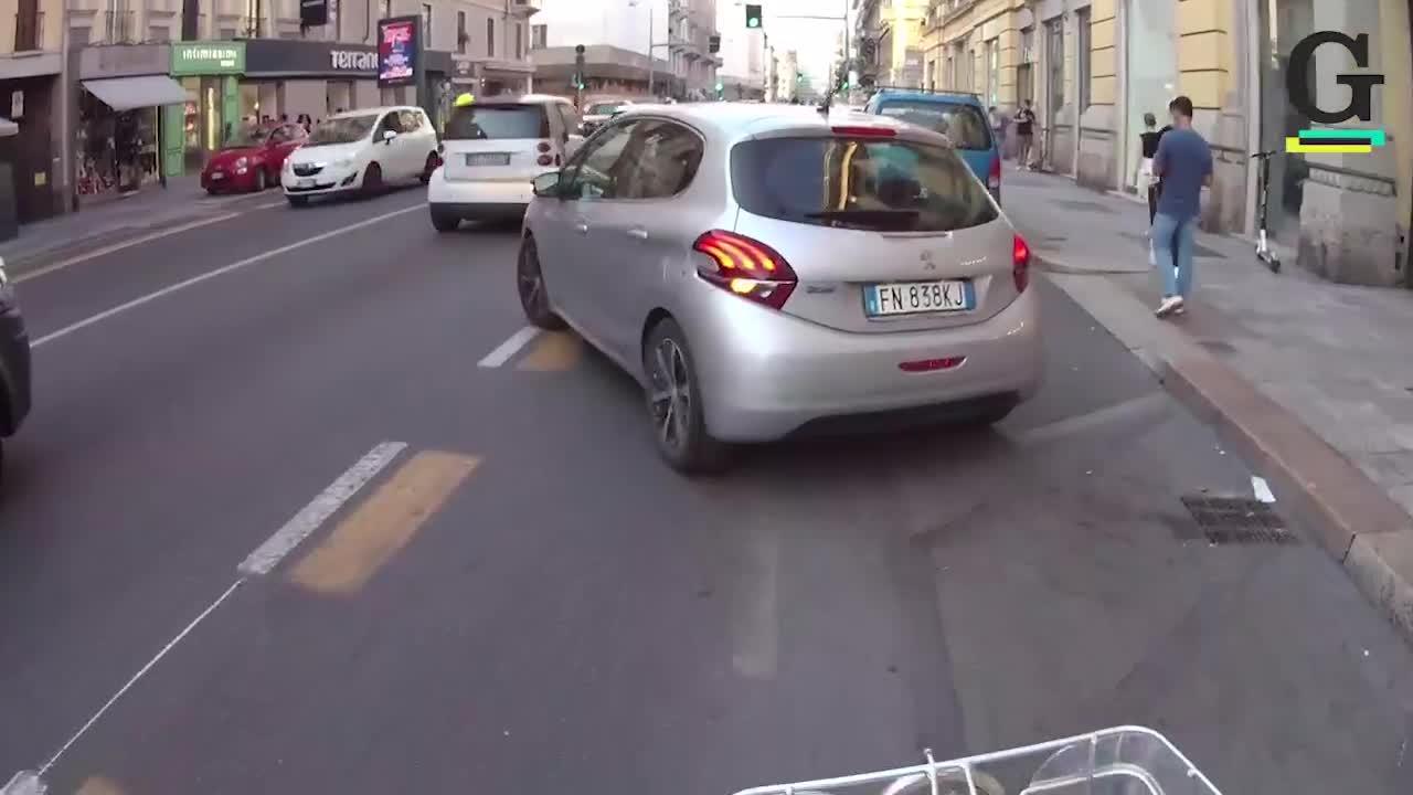 L'inferno pista ciclabile a Milano