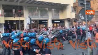 No green pass, tensioni tra Polizia e manifestanti alla protesta di Roma