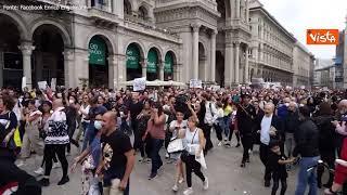 No green pass, la manifestazione a Milano
