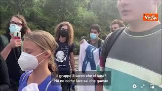 Greta a Milano per la PreCop 26, fermata con gli attivisti dalla sicurezza all'ingresso