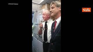 """Alitalia, l'ultimo volo del pilota dopo 40 anni di carriera: """"Ho la lacrima facile, addio"""""""