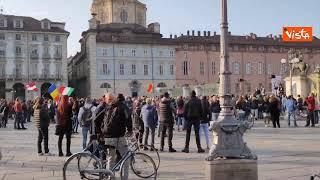 No Green pass, la manifestazione in piazza Castello a Torino