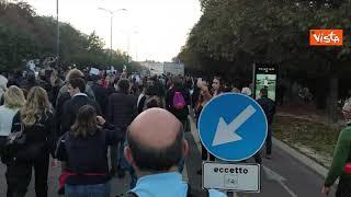 """""""Trieste chiama, Milano risponde"""". Il corteo dei no green pass nel capoluogo lombardo"""