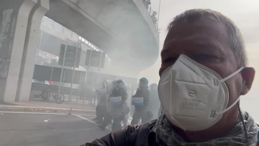 Trieste, la polizia usa i lacrimogeni