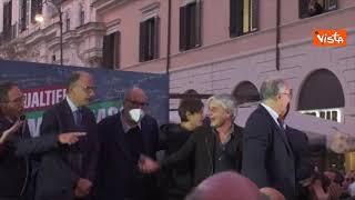 Gualtieri, Letta e Zingaretti alla festa per la vittoria delle amministrative di Roma
