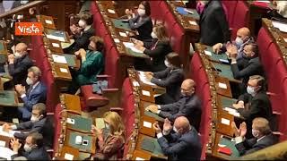 """""""Dimissioni, dimissioni"""". Fratelli d'Italia protesta contro la Lamorgese"""