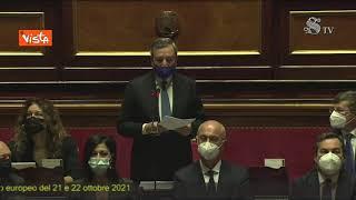 Draghi ricorda l'impegno di medici e infermieri e parte l'applauso in Aula