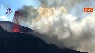 Continua l'eruzione vulcanica alla Canarie, ecco le immagini di La Palma