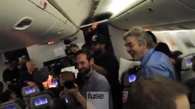 Uomo nudo sul volo di Rihanna
