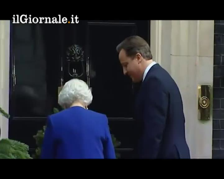 La storica visita della Regina a Downing Street