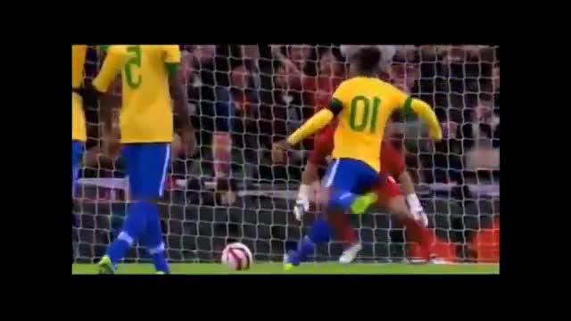 Dinho sbaglia il rigore e l'Inghilterra vince