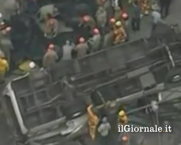 Brasile, autobus cade da un ponte