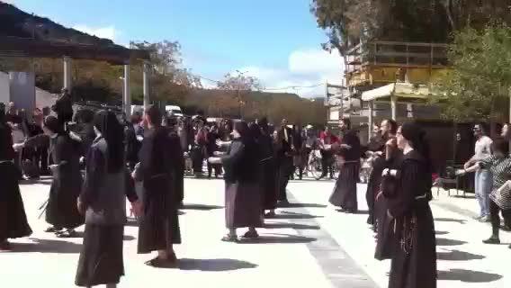Frati e suore: è flash-mob