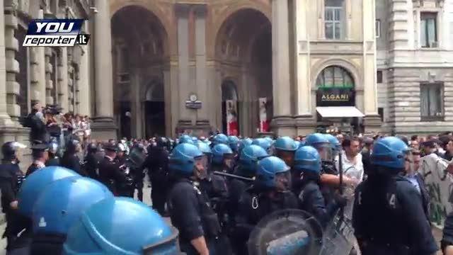 Zam, i centri sociali protestano a Palazzo Marino