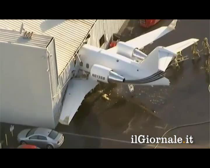 Jet sfonda Hangar