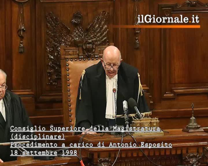 Tutti gli altarini del giudice: le accuse a Esposito