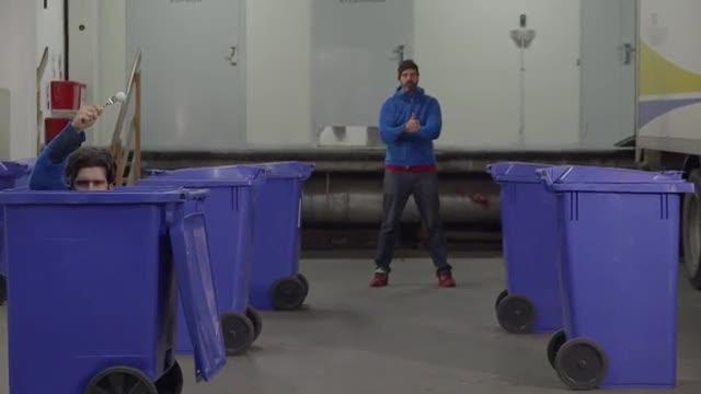 Ping pong trash. Trucco o no?