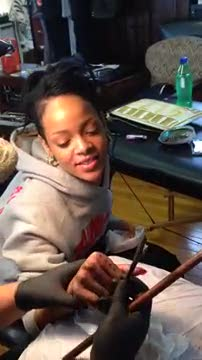 Rihanna, tatuaggio sofferto