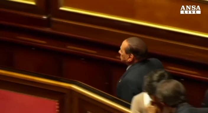 Berlusconi media per tenere unito il Pdl