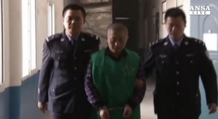 Cina, reporter costretto a confessare in tv