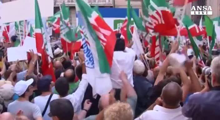 """Berlusconi non arretra: """"Resto io il leader"""""""