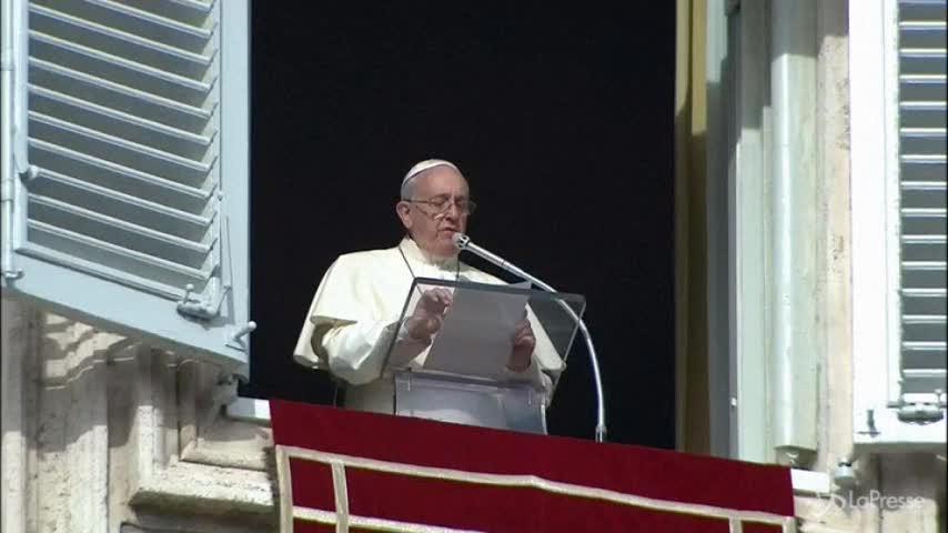 Papa Francesco nominerà sedici nuovi cardinali