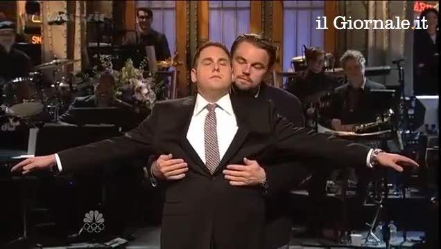 """Di Caprio torna sul Titanic, ma stavolta fa """"volare"""" Jonah Hill"""