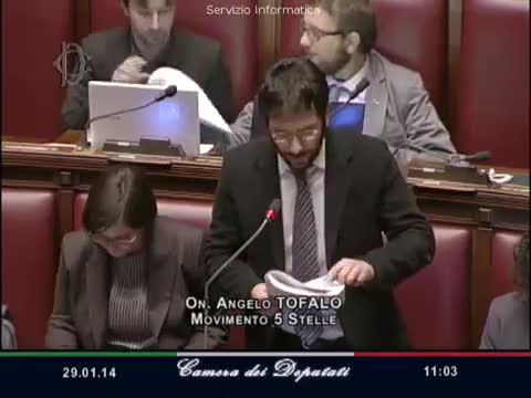 """Grillino urla """"Boia chi molla"""" alla Boldrini"""