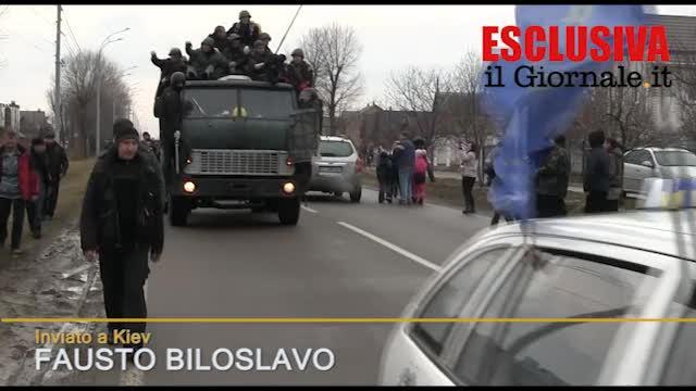 I miliziani della rivoluzione controllano la tenuta di Yanukovich