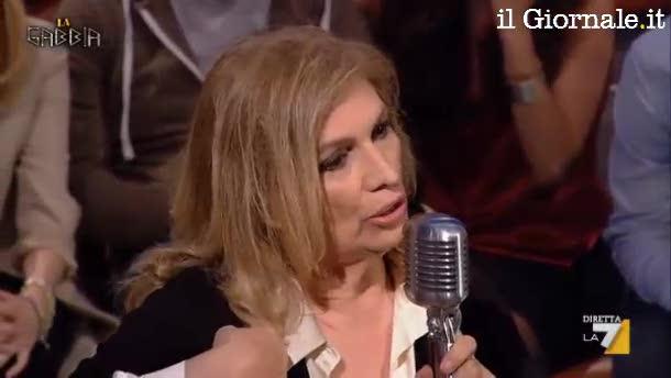 """Iva Zanicchi sbotta in tv: """"vaff.."""" al pubblico"""