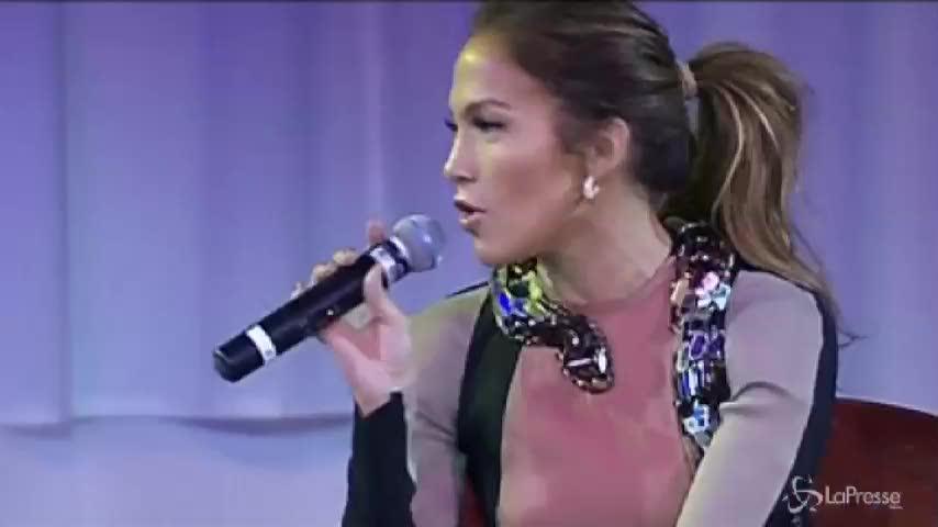 Jennifer Lopez fa cantare ai suoi figli canzone con una parolaccia