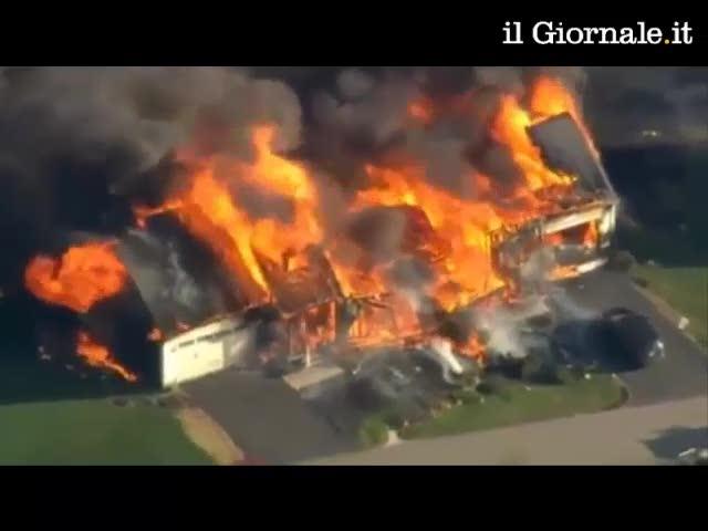 New Hampshire: esplode una villa