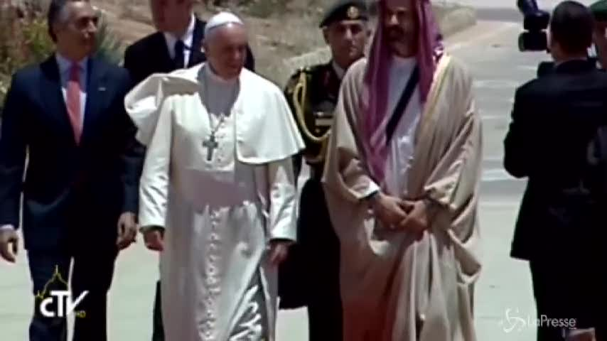 Il Papa in Terrasanta: l'arrivo in Giordania