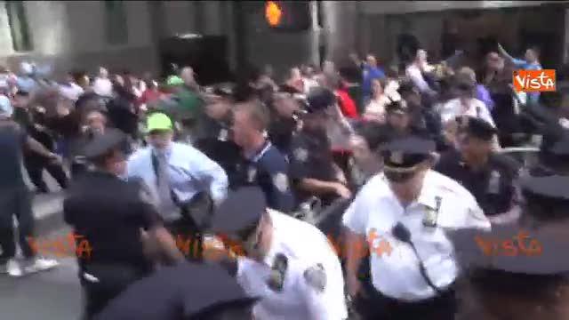 New York, tafferugli durante il sit a Wall Street