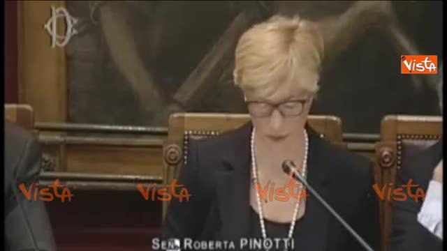 """Marò, Pinotti: """"Latorre non può lasciare l'Italia"""""""