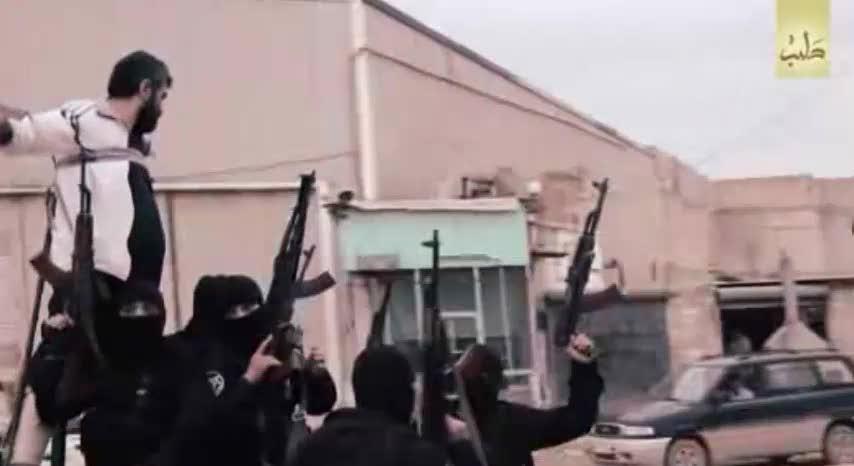 Crocifisso e ucciso dall'Isis