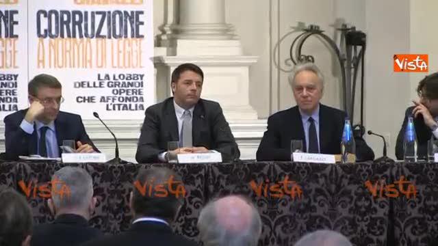 """Renzi loda Napolitano: """"Emozione e commozione"""""""