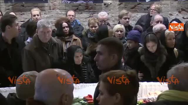 Mondo, la folla alla camera ardente per Nemtsov