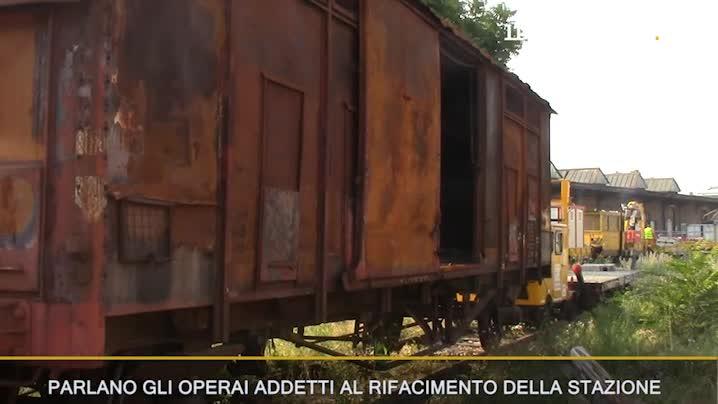 I vagoni dei treni occupati da rom e clandestini