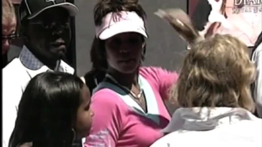 Addio a Bobbi Kristina morta dopo 7 mesi di coma