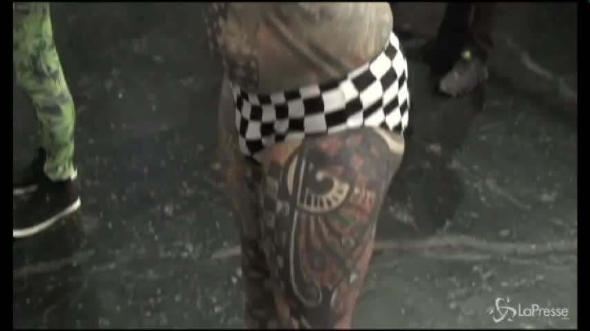 Tattoo Expo a Lima: ecco l'uomo più tatuato del mondo