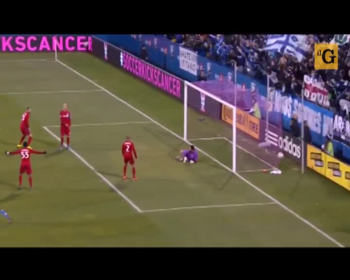 Didier Drogba segna due gol in un minuto