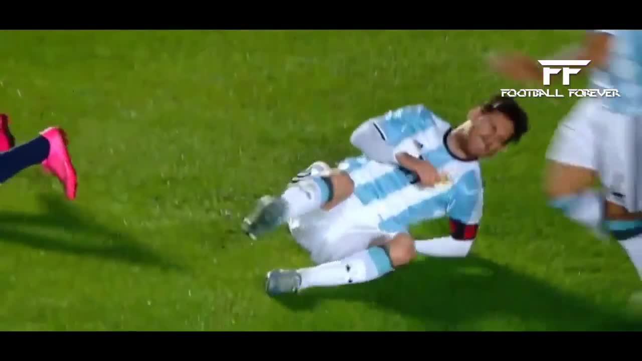 Grave infortunio per Messi
