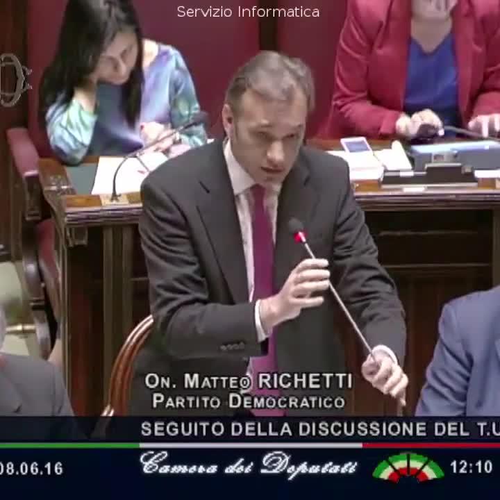 L 39 incredibile gaffe del renziano alla camera dei deputati for Calendario camera deputati