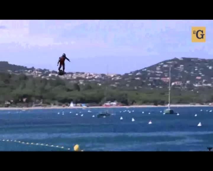 Si chiama Flyboard il velivolo che ti mette le ali ai piedi