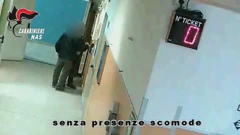 Assenteismo, indagati 94 dipendenti dell'ospedale di Napoli